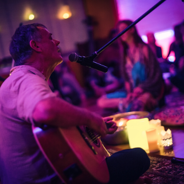 Friday & Sunday Kirtan Livestreams